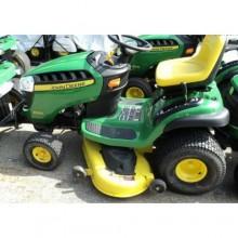 John Deere D150 Lawn Tractor