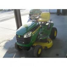 John Deere D110 Lawn Tractor
